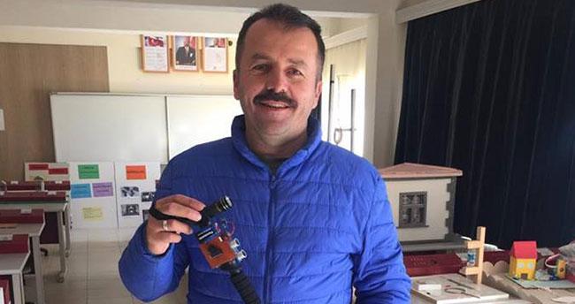 """Konya'da Fizik öğretmeninden """"Yarasa baston"""" projesi"""
