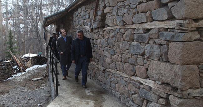 Seydişehir Belediyesi'nde engelli gencin evine engelli rampası