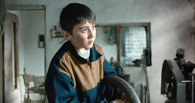 Mavi Bisiklet'in Akşehirli genç oyuncusunun yıldızı parlıyor