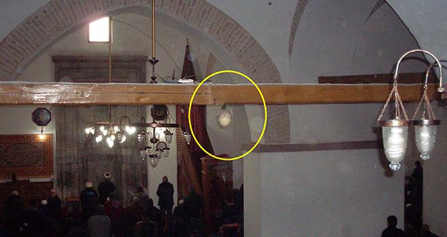 Tarihi Camideki Koruyucu Sır