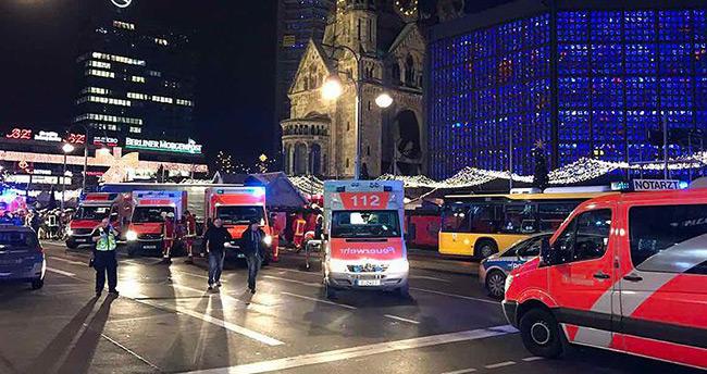 Berlin'de kamyon pazar yerine girdi: 12 ölü