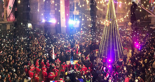 Halep'te Esad yanlılarından Noel kutlaması