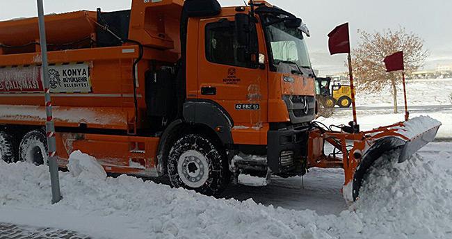 Konya Büyükşehir kar ve buzlanmaya karşı görev başında