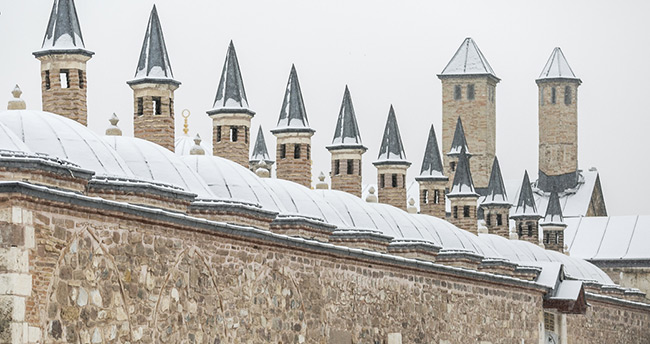 Konya'da son 14 yılın en yoğun kar yağışı oldu