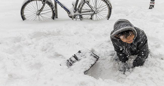 Konya'da kar kalınlığı 45 santimetreye ulaştı!