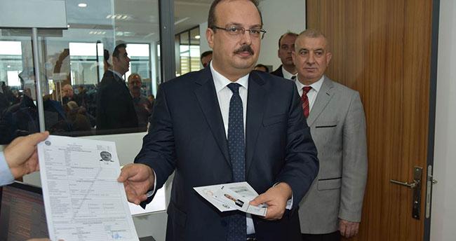 Konya Valisi Canbolat, çipli kimlik için başvuru yaptı
