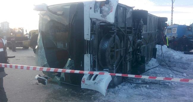 Konya'da öğrencileri taşıyan otobüs devrildi: 2 ölü, 42 yaralı