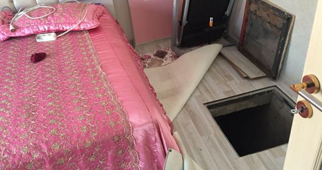 Yatak odasına kaçak sigara operasyonu