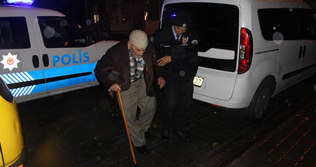 Polis Bu Defa Karakola Değil, Camiye Götürdü