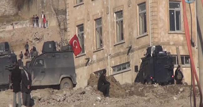 Kanalizasyon çalışmasında PKK bombası patladı!