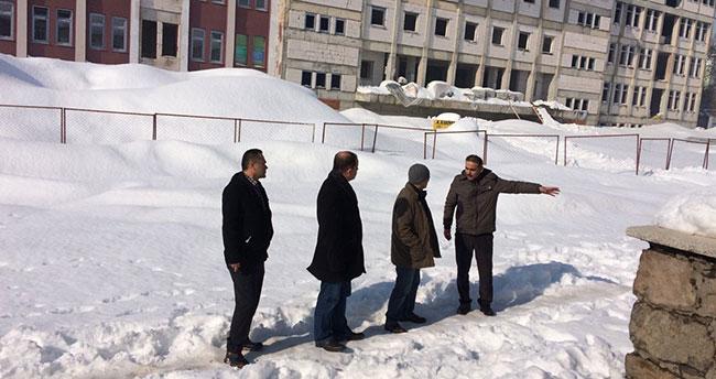 Seydişehir Kaymakamı Erdoğan okul inşaatını inceledi