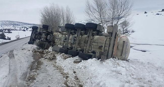 Isparta-Konya yolundaki kaza ucuz atlatıldı