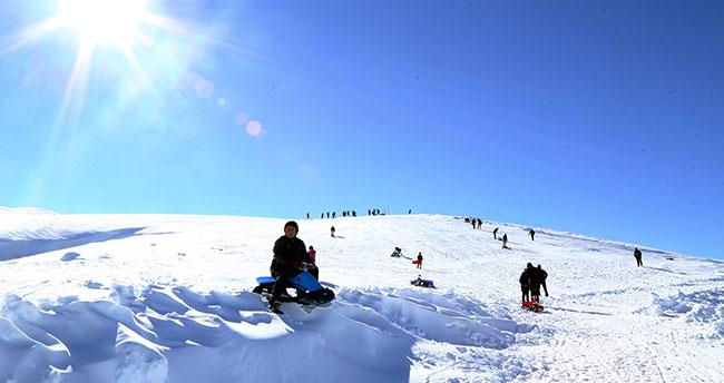 """Bozkırın ortasına """"30 kilometrelik"""" kayak pisti"""