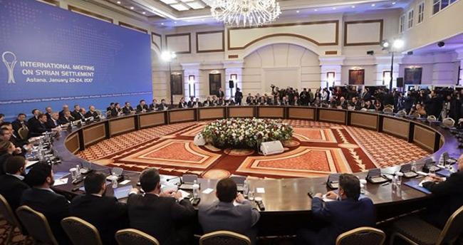 Astana'da Türkiye, Rusya ve İran anlaştı