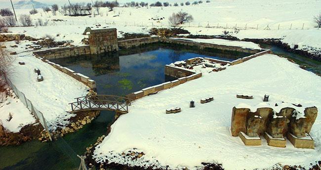 Beyşehir'deki Hitit Su Anıtı beyaza büründü