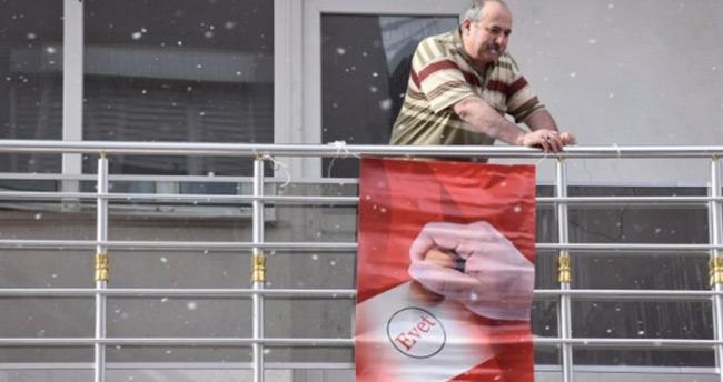 Bayrak asan dayı referandum kararını açıkladı