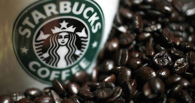 Starbucks Trump'a tepki olarak 10 bin mülteci çalıştıracak