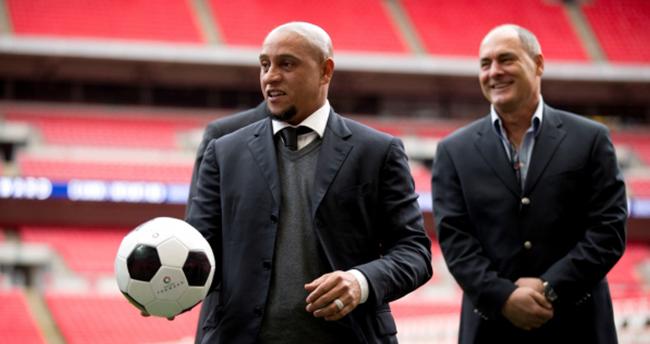 Advocaat giderse ilk tercih Roberto Carlos!