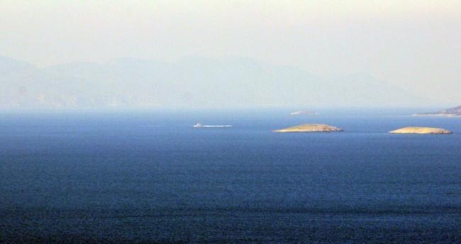 Yunan askerlerinin Kardak'ta tacizleri sürüyor