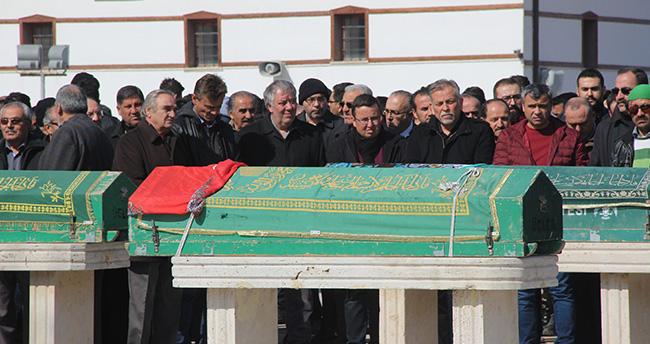 Konya'da sobadan zehirlenen aile toprağa verildi