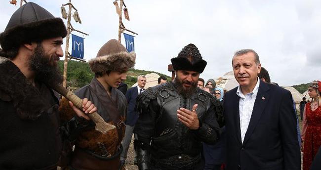 Erdoğan'dan 'Diriliş Ertuğrul' müjdesi