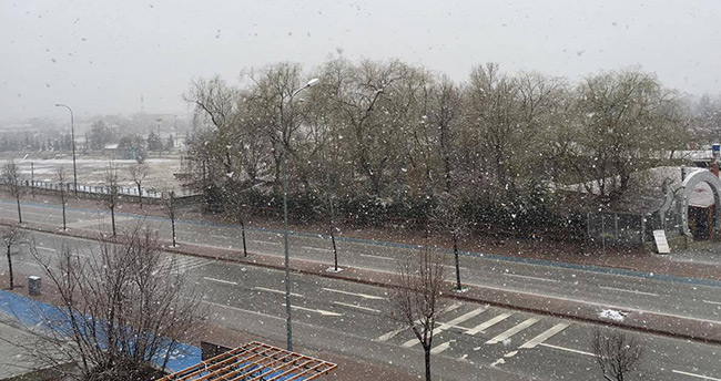 Konya'ya Mart ayında kar sürpizi