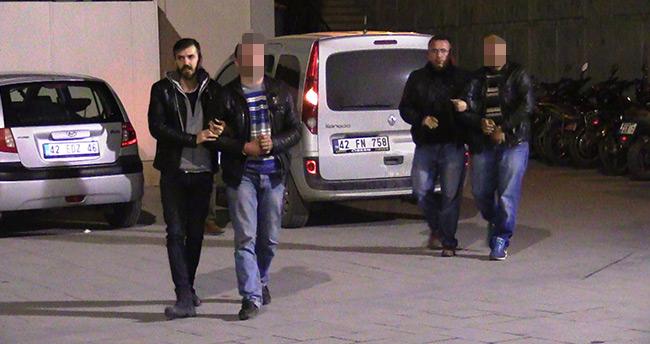 Sinyal kesiciyle otomobilden para çalan hırsızlar Konya'da yakalandı