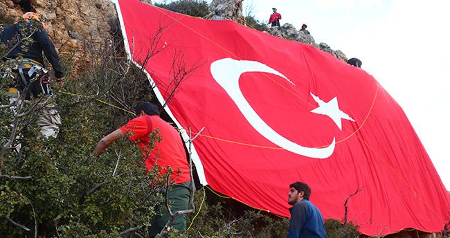 AKADEMİK, Sultandağları'na bayrağı dikti