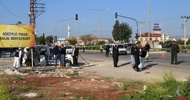 Mersin'de polis aracına bombalı saldırı