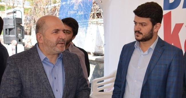 Mustafa Baloğlu 'Evet' çadırlarını gezdi