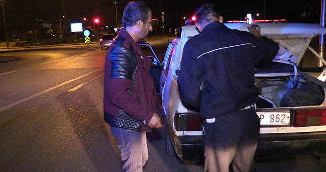 Konya'da polisin 'Dur' ihtarına uymayan araç kısa sürede yakalandı