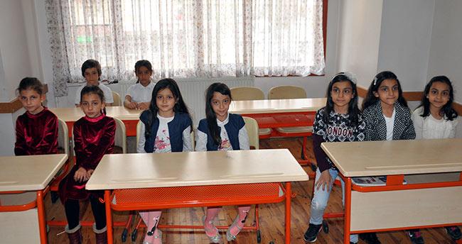 """Konya'da bu sınıfın öğrencileri """"ikiz"""" ve """"üçüz"""""""
