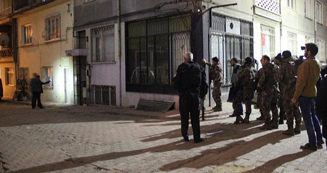 Konya'da sokağı kapatarak etrafa ateş açan genç özel harekat operasyonuyla yakalandı