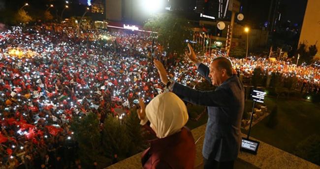 Cumhurbaşkanı Erdoğan balkon konuşması yapacak mı?