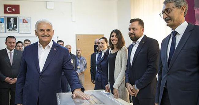 """Başbakan Yıldırım'ın oy kullandığı sandıktan """"Hayır"""" çıktı"""