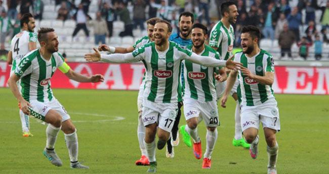 Konyasporlu futbolculardan 'evet' paylaşımı