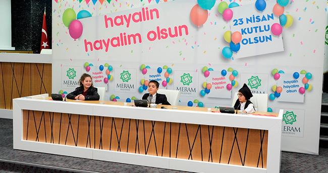 Meram Belediye Meclisini çocuklar yönetti