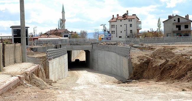 Konya – Karaman Hızlı tren hattına 4 adet araç alt geçidi yapılıyor