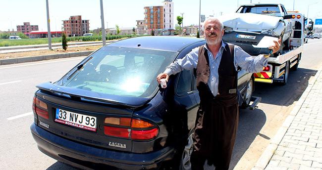 Ömründe ilk kez trafik cezası aldı, sevindi