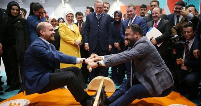 Hamza Yerlikaya ile Bilal Erdoğan mas güreşi yaptı