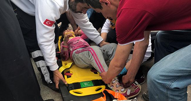 """Konya'da minibüsün çarptığı küçük kız """"Bir şeyim yok"""" diyerek ağladı"""