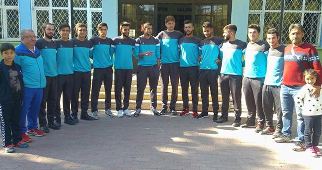 Pema Koleji Erkek Voleybol Takımı Bursa da Yapılacak Türkiye Finallerinde
