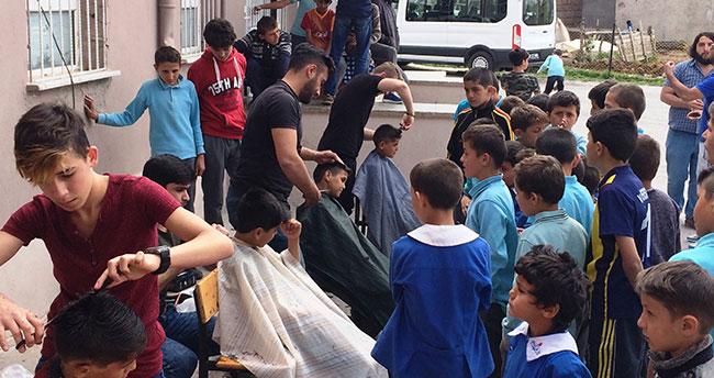 Öğrenciler fön çekip, saç tıraşı yaptı