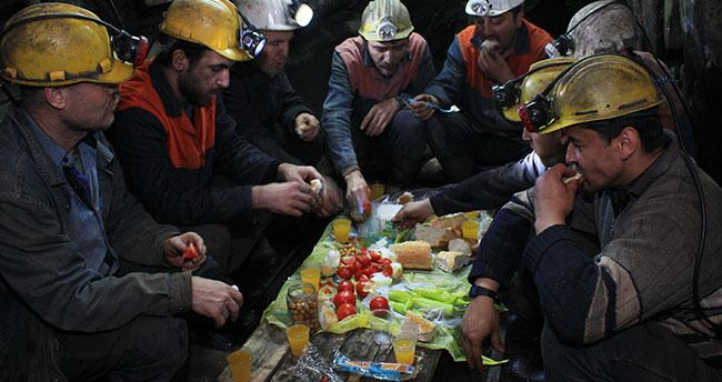 Madencilerin İlk Sahuru Duygulandırdı