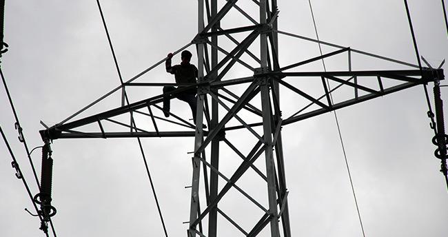 Konya'da yüksek gerilim hattında 4 saat süren intihar girişimi
