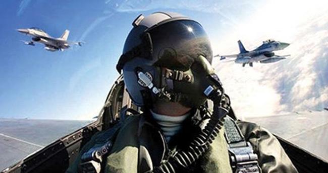 FETÖ'cü pilotları 'mahrem abileri' ele vedi