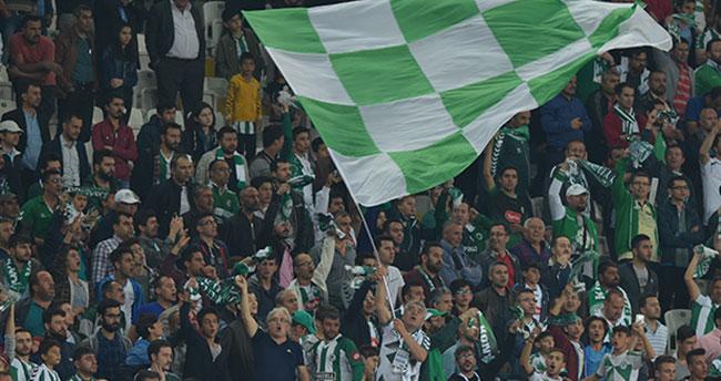 Konyaspor taraftarına 15 bin bayrak 15 bin tişört 15 bin iftariyelik dağıtacak