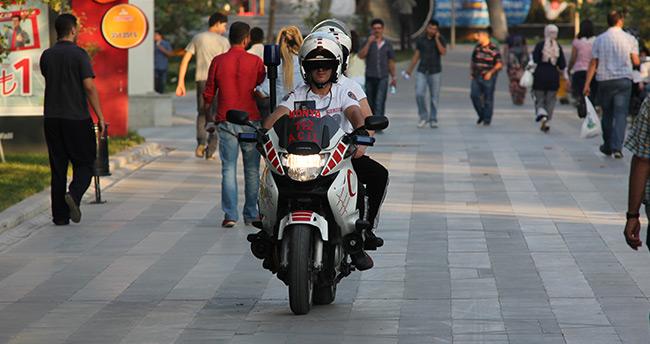 112 motorize ekipler sağlık dağıtıyor