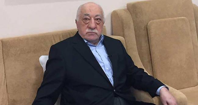 FETÖ lideri Gülen'in burnunu sildiği mendilin sahibi belli oldu!