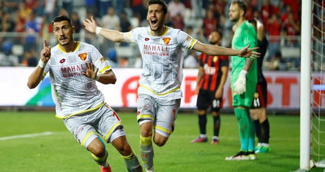 Süper Lig'e yükselen 3. takım Göztepe oldu